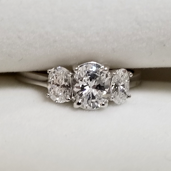 oval 3 stone ring